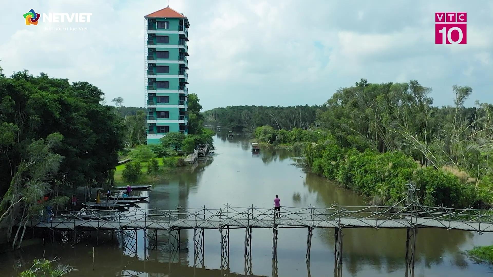 Tan Lap Floating Village Hotel